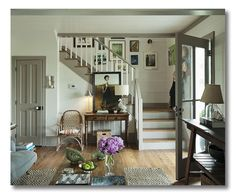 Farmhouse-lovely and farmhouse-classy, this entryway is inviting, warm, and strikingly beautiful. Pure lines and edited choices allow this space to breathe.