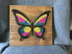 Paper Embroidery Ideas Tropical Beauty Butterfly String Art - Enjoy the colors of the Caribbean with this butterfly on dark stain. String Art Templates, String Art Tutorials, String Art Patterns, Craft Patterns, Arts And Crafts Supplies, Diy Arts And Crafts, Crafts To Do, Party Crafts, Nail String Art