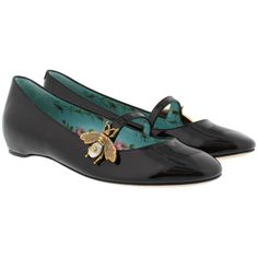 Gucci Ballerinas - Patent Leather Ballet Flat With Bee Black - in... ($655) ❤ liked on Polyvore featuring shoes, flats, black, ballerina pumps, black flat shoes, black ballet flats, ballet pumps and ballet flat shoes