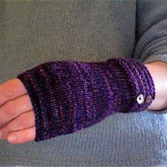 Ravelry: Welted Fingerless Gloves pattern by Churchmouse Yarns and Teas