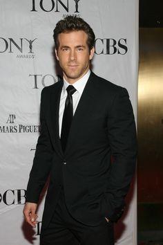 Ryan Reynolds named Peoples Sexiest Man Alive!