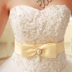 c0e52733fd8886 Goedkope Gratis verzending 2015 nieuwe witte prinses trouwjurk designer  remantic lace up trouwjurk bruid trouwjurken Y326