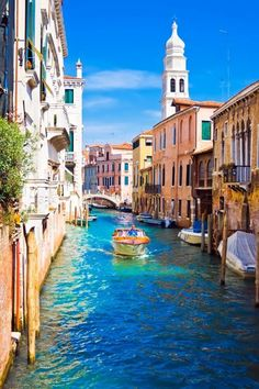 Want to Know the best places to visit in Italy? Our photo gallery gives you a taste of a trip to Italy so you can start dreaming about it even before you travel! Places Around The World, The Places Youll Go, Places To Visit, Around The Worlds, Italy Vacation, Italy Travel, Beautiful World, Beautiful Places, Italy Images