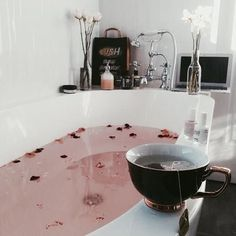 Bath tub relaxation dream homes 18 super Ideas Future House, Sweet Home, Design Industrial, House Goals, Humble Abode, My New Room, Me Time, Bath Time, Interior And Exterior