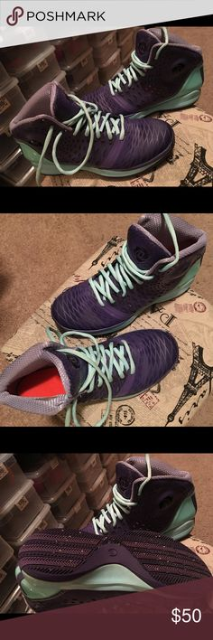 Adidas Boys Youth Derrick Rose 3.5 Adidas Boys Youth Derrick Rose 3.5 Basketball Shoes Boy/Girl (Kid 7 which will be a 9 in women) Purple/Teal; I think my daughter worn them once or twice. Adidas Shoes Sneakers