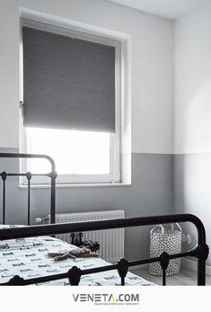 Plisségordijnen passen bij iedere interieurstijl. Er is veel kleurkeuze, zoals wit, grijs, zwart of taupe. Verkrijgbaar in semi-transparant of verduisterd. Ideaal voor in je woonkamer, slaapkamer, keuken en ook in de kinderkamer. Zorgen voor isolatie en verduistering. | Wooninspiratie | Raambekleding | Interieur | Veneta.com Roman Shades, Curtains, Home Decor, Blinds, Decoration Home, Room Decor, Draping, Home Interior Design, Roman Blinds