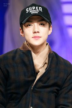 Sehun - 161204 Hat's On fansign Credit: 바람의꽃이되어서.