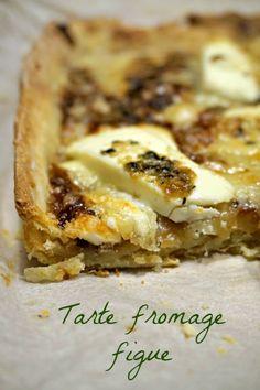 Recette de tarte salée au fromage et à la confiture de figue. Tarte rapide, facile, délicieuse, customisable à vos envies :)
