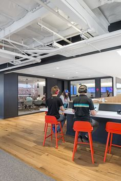Bestor Architecture designed the Beats By Dre Headquarters located in Culver City, CA. Beats, formerly focused on electronics Corporate Office Design, Corporate Interiors, Workplace Design, Office Interiors, Beats By Dre, Cabinet D Architecture, Interior Architecture, Electronics Projects, Organization Xiii