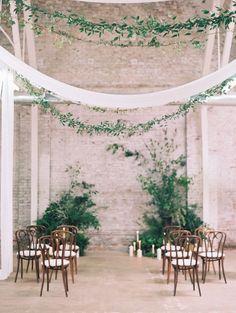 Intimate and organic: http://www.stylemepretty.com/2015/08/13/black-tie-botanical-wedding-inspiration/ | Photography: Diana McGregor - http://www.dianamcgregor.com/