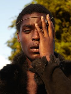 Shot in the last minutes of light near the West End, golden new face gave me so much to play with. Frame by Frame. Star in the making! Styled by Veronica, Beautiful Men, Beautiful People, Photoshoot Themes, Photo Reference, Mug Shots, Face Claims, Drawing People, Black People