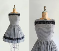 50s dress - 60s dress - vintage gingham dress - circle skirt - sleeveless - lace trim - black & white - Small $84