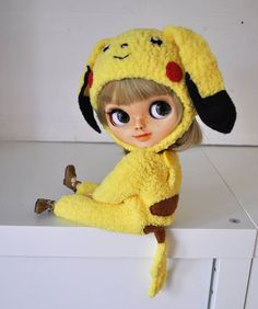 Outfit Pikachu Pokemon for Blythe doll knitted doll clothes