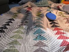 A blog about quilting and sewing with quilt-a-longs (QAL).