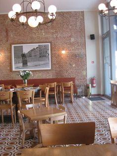 Eetcafe De Waanzee | Antwerpen  (voor de tegeltjes en de dessertjes)