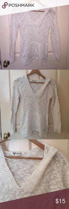 Light weight sweatshirt Off white knit sweatshirt with hood. 100% cotton Roxy Sweaters V-Necks