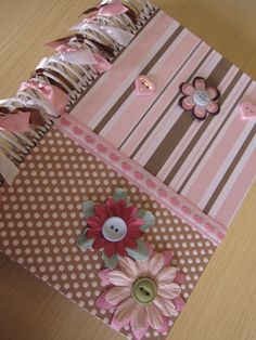 Agendas Personalizadas By Sonhos em Caixa Homemade Crafts, Diy And Crafts, Paper Crafts, Scrapbook Albums, Scrapbook Cards, Altered Composition Notebooks, Post It Note Holders, Fabric Book Covers, Notebook Covers