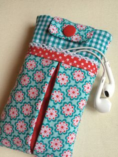 Fabric Crafts, Sewing Crafts, Diy Embroidery Patterns, Cell Phone Wallet, Purses And Bags, Coin Purse, Stationery, Anarkali, Pouches