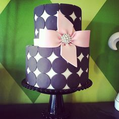 ADORABLE.  Banner Boutique: Designer Cakes by April {Local Gilbert AZ Cake Shop}