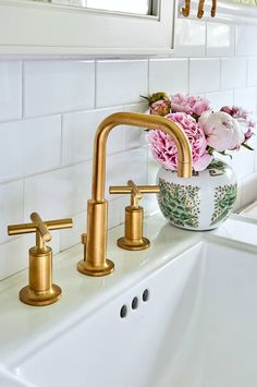 gorgeous Kohler Purist Moderne Gold bathroom fixtures - I knew I wanted to add w. gorgeous Kohler Purist Moderne Gold bathroom fixtures – I knew I wanted to add warmth to the spac Gold Bad, Commercial Faucets, Kohler Purist, Single Handle Bathroom Faucet, Gold Bathroom Faucet, Brass Bathroom Fixtures, Modern Bathroom Faucets, Modern Master Bathroom, Widespread Bathroom Faucet