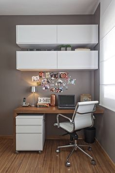 You won't mind getting work done with a home office like one of these. See these 20 inspiring photos for the best decorating and office design ideas for your home office, office furniture, home office ideas Small Office Design, Home Office Design, Home Office Decor, Modern House Design, Home Interior Design, Home Decor, Office Ideas, Office Designs, Office Furniture
