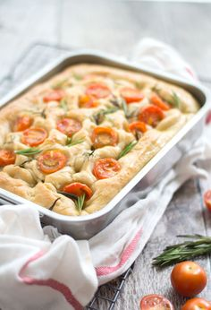 Make focaccia yourself Eef Cooks So - Focaccia, airy bread with fresh herbs and tomato. Healthy Recipes On A Budget, Raw Food Recipes, Italian Recipes, Vegetarian Recipes, Savoury Baking, Bread Baking, Tapas, Good Food, Yummy Food