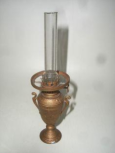 D 22 / Puppenstuben Zubehör Petroleum Lampe aus Zinn Original um ca.1900