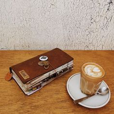 Starting the day with a delicious lavender latte  #travelersnotebook #midoritravelersnotebook #latte