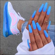 102 acrylic nail designs of glamorous ladies of the summer season 10 teloreci - acrylic nails - Nageldesign Blue Acrylic Nails, Neon Nails, Acrylic Nail Designs, Blue Coffin Nails, Acrylic Nails For Summer Coffin, My Nails, Blue Ombre Nails, Matte Nails, Glitter Nails