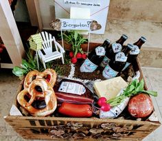 Gift for a sixtieth birthday. Beer garden for men Gift for a sixtieth birthday. Beer garden for men The post Gift for a sixtieth birthday. Beer garden for men appeared first on Geschenke ideen. Diy Cadeau Maitresse, Mom Day, Man Birthday, Birthday Ideas, Birthday Presents, Gift Baskets, Fathers Day Gifts, Diy And Crafts, Best Gifts