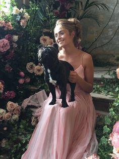 Pin Uzivatele Kveta Morkesova Na Nastence Parfums V Roce 2019 Bridesmaid Dresses Dresses A Beautiful