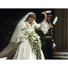 miranda lambert buzz pictures of princess diana wedding dress ❤ liked on Polyvore featuring dresses and wedding dresses