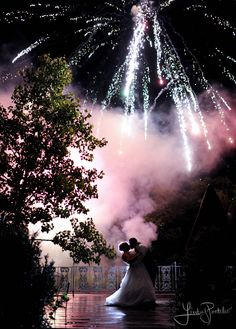 Firework display at the end of your wedding day #fireworks #wedding #lindseypantaleo