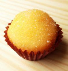 Secretos de Pastelero: Yemas Spanish Desserts, Spanish Dishes, Bakery Recipes, Cooking Recipes, Yummy Treats, Sweet Treats, Muffins, Peruvian Recipes, Cake Cookies