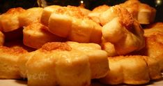 Suroviny: 0,5kg múka polohrubá 250g bryndza 250g maslo  štipka soli 1vajce 1prášok do pečiva Z múky, ... Potatoes, Vegetables, Ethnic Recipes, Food, Potato, Veggies, Vegetable Recipes, Meals, Yemek