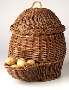 Potato and Onion Storage Baskets- I REALLY want one in my kitchen <3
