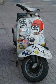Retro Scooter, Lambretta Scooter, Vespa Scooters, Scooter Garage, Vespa Smallframe, Bullet Bike Royal Enfield, Custom Vespa, Vespa Sprint, Classic Vespa