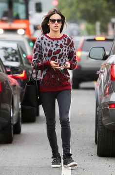 Alessandra Ambrosio's laid-back approach to a statement print is one worth adopting for your weekend.
