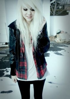 pretty emo girl :) Love the style Grunge Fashion, Emo Fashion, Girl Fashion, Blonde Fashion, Feminine Fashion, Fashion Bags, Fashion Trends, Psychobilly, Pretty Emo Girls