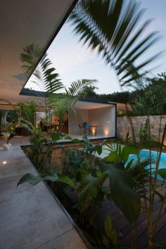 Tropical home design with mini pool (45)