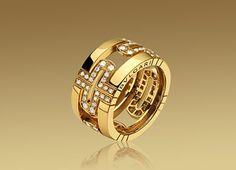 PARENTESI ring in 18KYG with demi pavé diamonds