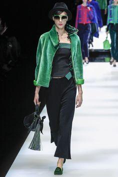 Giorgio Armani Fall 2017 Ready-to-Wear Fashion Show - Heloise Giraud