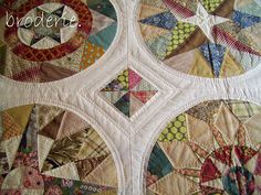 another view of circles set into the background of the original 'camelot' quilt designed and made by trish harper Circle Quilt Patterns, Circle Quilts, Star Quilts, Quilt Blocks, Scrappy Quilts, Cathedral Window Quilts, Quilting Designs, Quilt Design, Quilting Patterns
