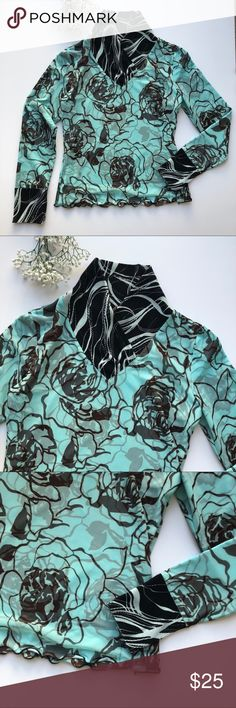 Anac By Kimi Top M Blue Floral Shirt Crinkle Rose • Brand: Anac kimi • Size: M • Material: See picture of tag in photos • Previously owned, excellent used condition  • Length 21 Bust 36 • Other info:  •Inventory id:308 Anac Tops Blouses