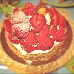 Tarta de fresas y queso en la cafetería Mallorca, Madrid