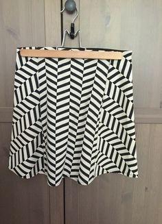 Kup mój przedmiot na #vintedpl http://www.vinted.pl/damska-odziez/spodnice/13517158-mini-spodniczka-zara