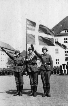 Frikorps Danmark aflægger faneeden i Hamborg. Deutschland, Vereidigung von Dänen - Dänische SS-Einheiten – Wikipedia