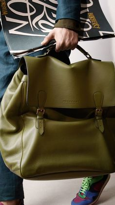 The color is just amazing! via @burberry