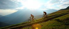 Biken in Südtirol. Jetzt geht unser Alpencross in die letzte Runde - hinab zum Gardasee! http://www.biketeam-radreisen.de/reiseziele/europa/italien/radreise-alpencross-mountainbike-alpen-78.html