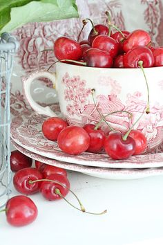 VIBEKE DESIGN: Something red and very sweet!